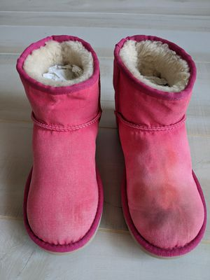 Women's UGG Mini Boots Size 6 for Sale in Stone Mountain, GA
