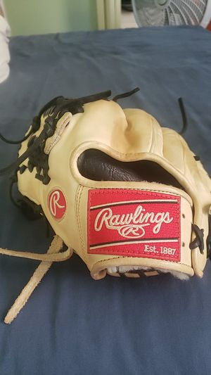 """Rawlings PROS204-4C Left Handed 11.5"""" Pitching/Infielders Glove for Sale in Ocoee, FL"""