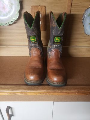Johndeer size 8 wellington pull on boots for Sale in Largo, FL