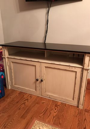 Tv console table cabinet with storage brand new for Sale in Dearborn, MI