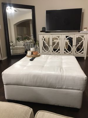 White Leather Ottoman for Sale in Tolleson, AZ