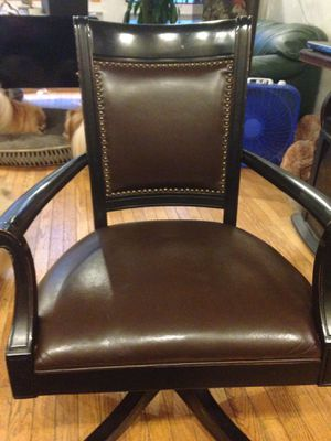Lovely office chair for Sale in Clarendon Hills, IL