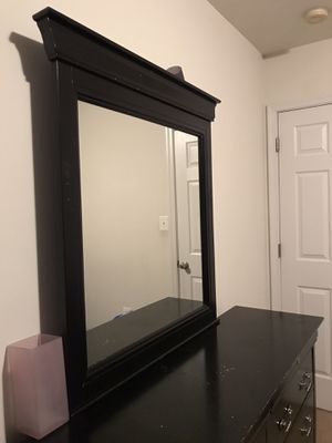 BEAUTIFUL BLACK DRESSER WITH 2 SMALL DRAWERS &6 BIG DRAWERS WITH BIG MIRROR ALL DRAWERS SLIDING SMOOTHLY for Sale in Alexandria, VA