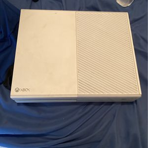 Xbox One, white Full Size With Power Supply for Sale in Avondale, AZ