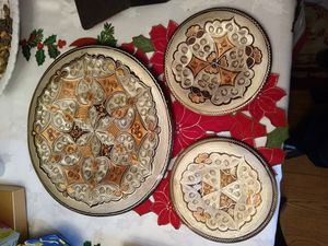 "Wall decor plate 1- 14"". 2 - 7 1/2"" for Sale in Germantown, MD"