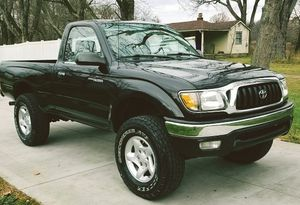 TOYOTA TACOMA This truck is in nice condition for Sale in Grand Prairie, TX