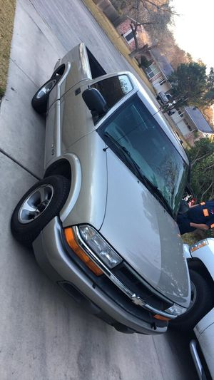 1999 Chevy S-10 Blazer for Sale in Seguin, TX