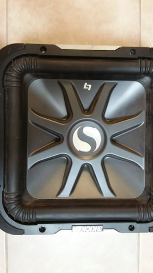 """2 Subwoofers kickers 12"""" $300 for both ...in good condition for Sale in Victorville, CA"""