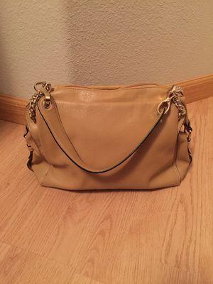 Beautiful beige medium size purse for Sale in Fresno, CA
