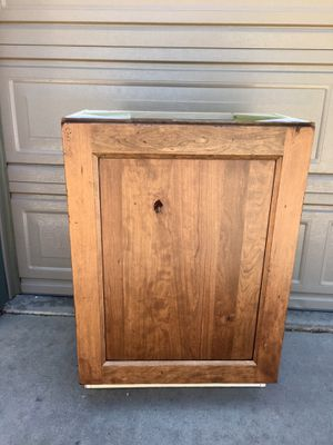 """Rustic Cherry wood Shiloh 24"""" base cabinet for Sale in Lakewood, CO"""