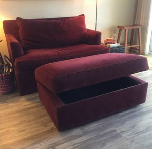 Ethan Allen Loveseat pulls out to twin bed! for Sale in Denver, CO