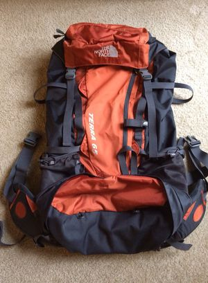 North Face backpack terra 65L for Sale in Darnestown, MD