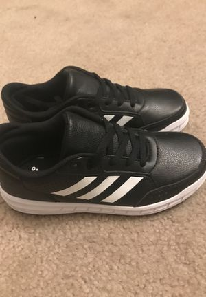 Size 1 black and white shoes for Sale in San Ramon, CA