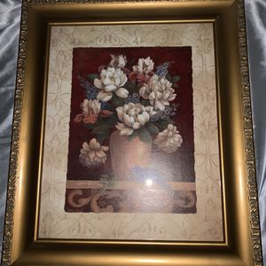 Gold frame beautiful picture for Sale in Clearwater, FL