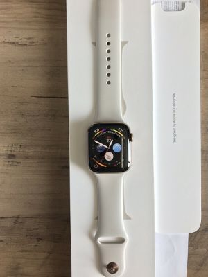 Apple Watch 4 WiFi/gps/cellular 44mm gold for Sale in Brooklyn, NY