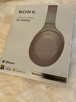 SONY WH-1000XM2 WIRELESS OVER-THE-EAR NOISE CANCELING HEADPHONES - GOLD for Sale in Long Beach, CA
