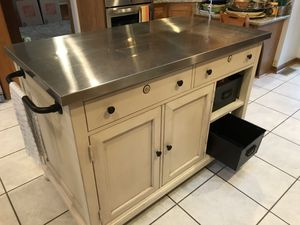 Kitchen Islands Paula Deen for Sale in Myersville, MD