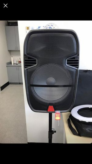 "15"" inch Portable Bluetooth Speaker FM/AUX with microphone included for Sale in Pomona, CA"