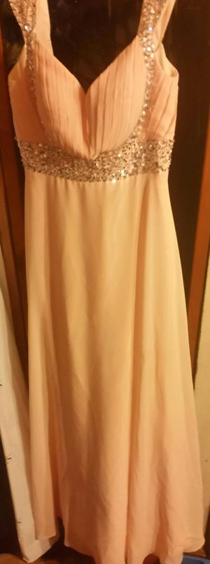 PROM OR BRIDESMAID DRESS Size 6 for Sale in Philadelphia, PA