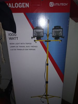 Brand new impact wrench and worklight with tripod for Sale in Newark, OH