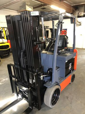 2015 Toyota 8FBCU25 Quad Mast Forklift for Sale in La Verne, CA