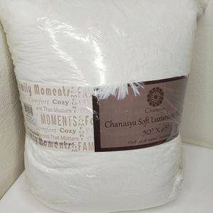 Chanasya Shaggy Longfur Faux Fur Throw Blanket - Fuzzy Lightweight Plush Sherpa Fleece Microfiber Blanket - for Couch Bed Chair Photo Props (50x65 Inc for Sale in Las Vegas, NV
