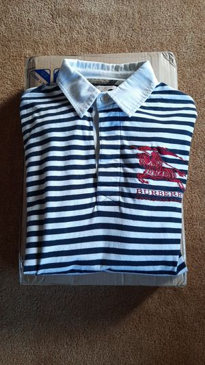 Burberry shirt and HP laptop for Sale in Lake Grove, OR