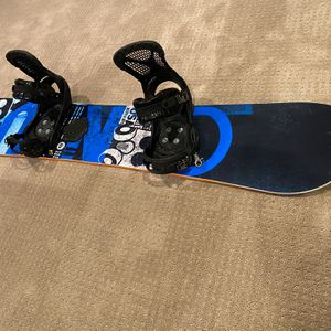 GNU Carbon Snowboard BTX Series Size 156 With Burton Bindings for Sale in Issaquah, WA