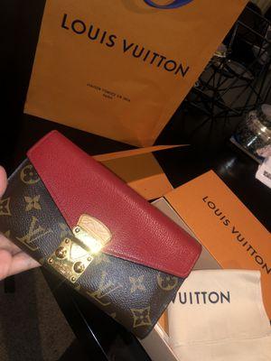 Louis Vuitton wallet for Sale in Sandy Springs, GA