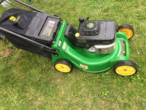 John deer lawn mower self propelled like new for Sale in Columbus, OH
