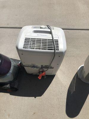 Frigidaire de-humidifier for Sale in Glendale, AZ