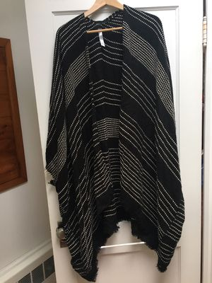Urban Outfitters BDG kimono/shawl for Sale in Marblehead, MA