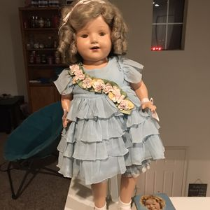 Antique Shirley Temple Doll 30s Or 40s for Sale in Vista, CA