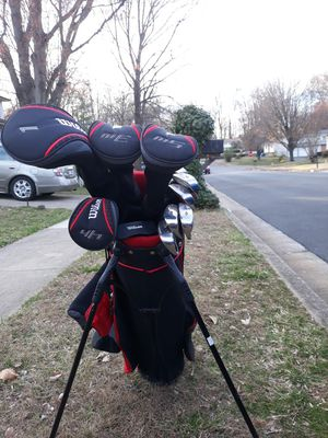 Right hand swing Wilson golf clubs for Sale in Woodbridge, VA