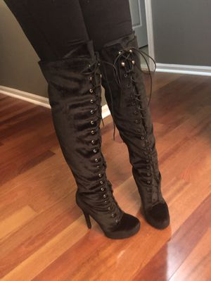 Knee high boots for Sale in Shelby Charter Township, MI