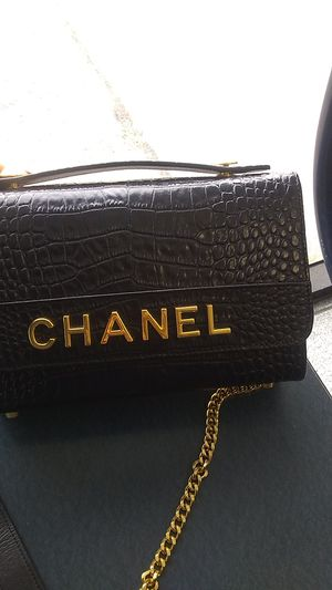 Chanel hand bag authentic for Sale in Chicago, IL