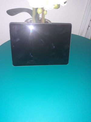 Apple IPad 6th generation 32gb for Sale in Colton, CA