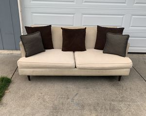 Modern and cozy mid century style couch for Sale in Vancouver, WA