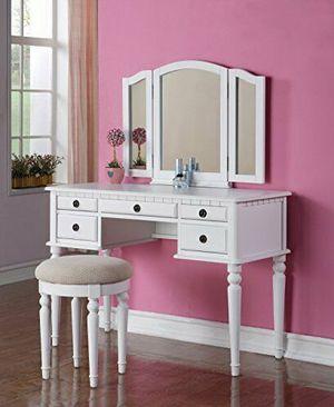 White Vanity Set for Sale in Fresno, CA