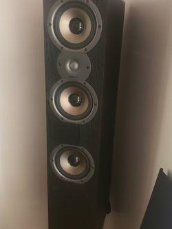 2 TSI-400 Polk Audio Floor Speakers for Sale in Redondo Beach,  CA