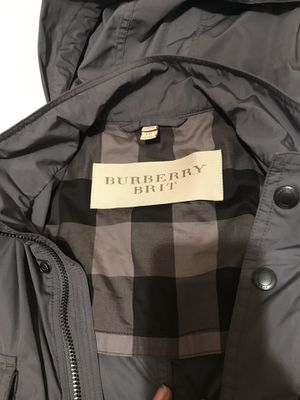 Burberry mens SIZe XXL nEw for Sale in Columbus, OH
