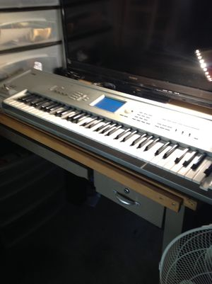 Audio equipment Korg Triton pro touch view panel music work station works 100% only issue is that one key needs a new spring $600.00 serious buyers o for Sale in Collingdale, PA