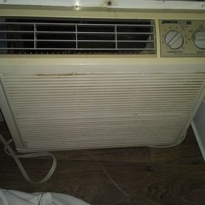Air Conditioner $90 obo Dehumidifier $100. (Bundle For $160) for Sale in Vancouver, WA