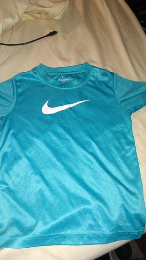NIKE SHIRT for Sale in Vacaville, CA