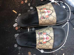 Gucci slides, summer drop 3 years ago. for Sale in Colbert, OK