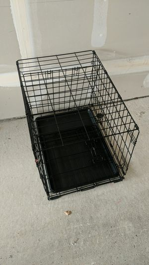 Small dog crate for Sale in Shelby Charter Township, MI