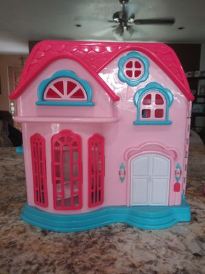 Girls Doll House for Sale in Victorville, CA