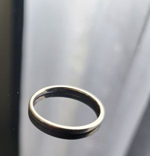 Flat band ring 2mm 10k gold size 8 for Sale in Lynnwood, WA