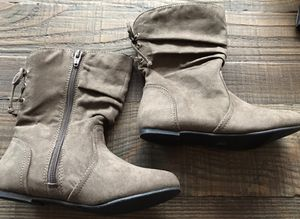 Brand new girls boots size 13 for Sale in Aloha, OR