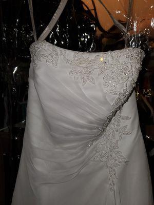 Wedding dress size 8 for Sale in Pleasant Garden, NC